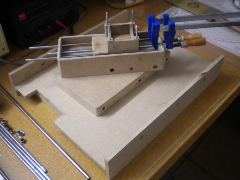 CNC V1 en médium pour gravure de PCB Dscn1612