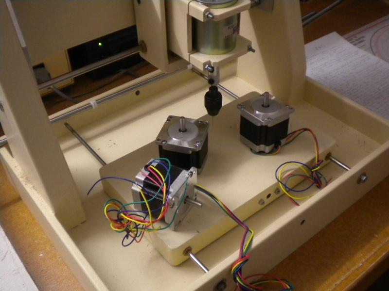 CNC V1 en médium pour gravure de PCB Dscn1616