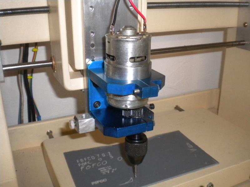 CNC V1 en médium pour gravure de PCB Dscn1810
