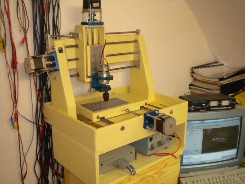 CNC V1 en médium pour gravure de PCB Dscn1815