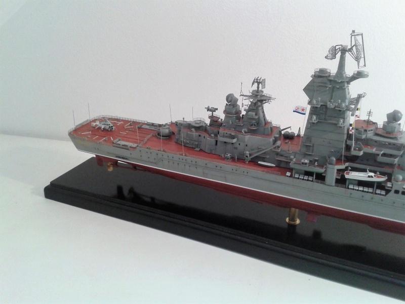 Croiseur Admiral Lazarev 1/350ème Trumpeter + SSN class Alfa 1/350ème Dragon 20160111