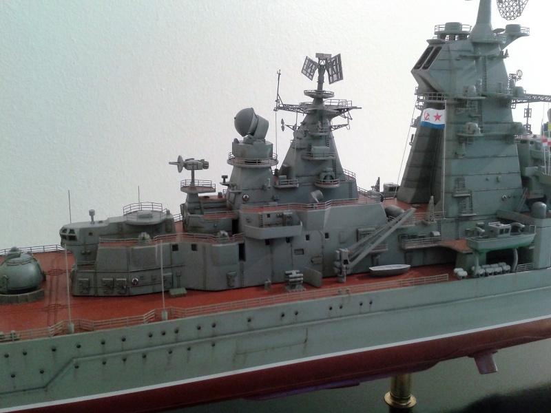 Croiseur Admiral Lazarev 1/350ème Trumpeter + SSN class Alfa 1/350ème Dragon 20160113