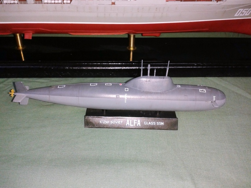 Croiseur Admiral Lazarev 1/350ème Trumpeter + SSN class Alfa 1/350ème Dragon 20160114