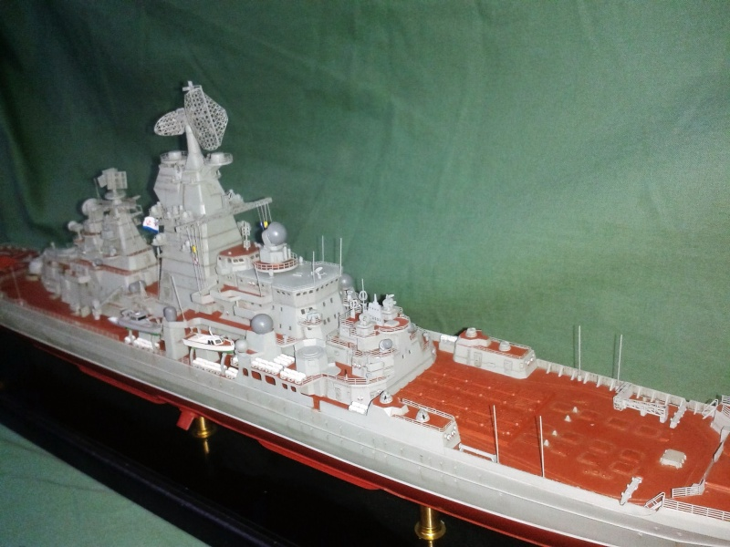 Croiseur Admiral Lazarev 1/350ème Trumpeter + SSN class Alfa 1/350ème Dragon 20160116