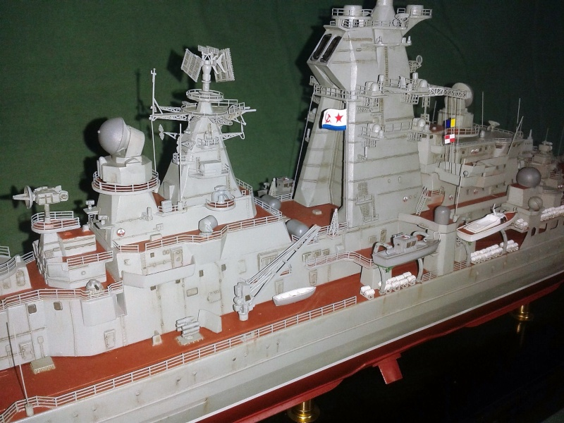 Croiseur Admiral Lazarev 1/350ème Trumpeter + SSN class Alfa 1/350ème Dragon 20160118
