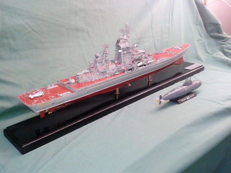 Croiseur Admiral Lazarev 1/350ème Trumpeter + SSN class Alfa 1/350ème Dragon 20160122