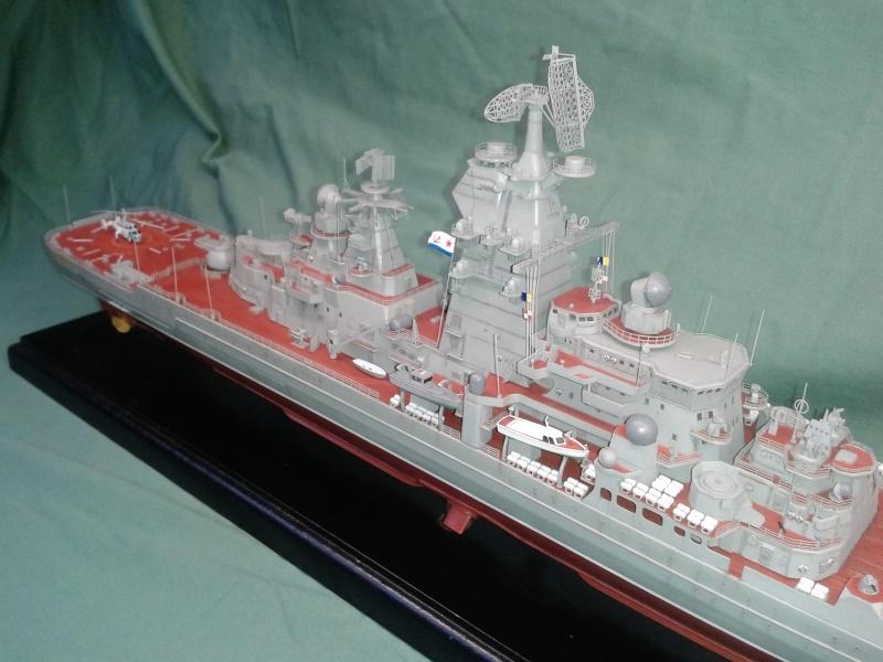 Croiseur Admiral Lazarev 1/350ème Trumpeter + SSN class Alfa 1/350ème Dragon 20160123