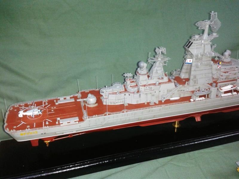 Croiseur Admiral Lazarev 1/350ème Trumpeter + SSN class Alfa 1/350ème Dragon 20160128