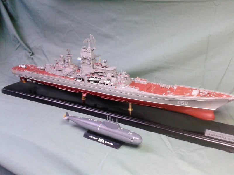 Croiseur Admiral Lazarev 1/350ème Trumpeter + SSN class Alfa 1/350ème Dragon 20160131
