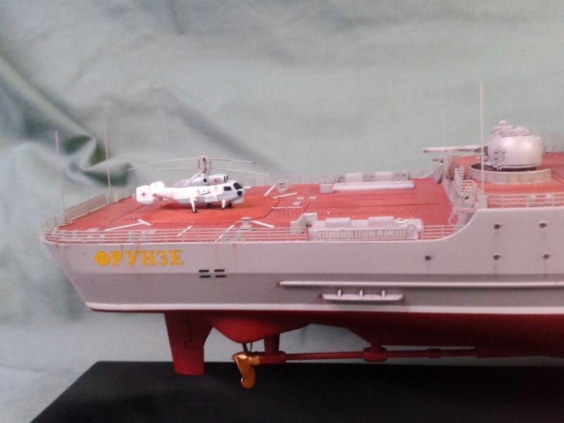 Croiseur Admiral Lazarev 1/350ème Trumpeter + SSN class Alfa 1/350ème Dragon 20160136