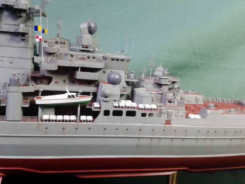 Croiseur Admiral Lazarev 1/350ème Trumpeter + SSN class Alfa 1/350ème Dragon 20160137