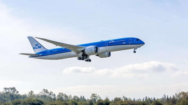 Le Boeing 787 est arrivé - Page 5 1020