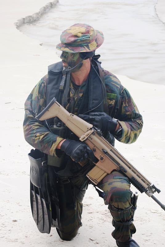 Armée Belge / Defensie van België / Belgian Army  - Page 40 12133