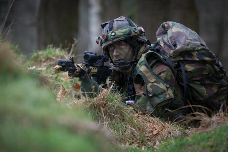 Armée Hollandaise/Armed forces of the Netherlands/Nederlandse krijgsmacht - Page 18 12485