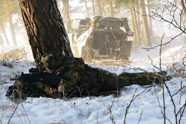 Slovenian Armed Forces / Slovenska vojska - Page 2 13403