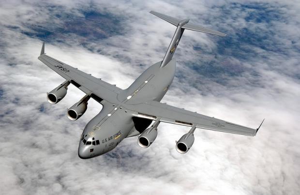 Avions de transport tactique/lourd - Page 5 1383