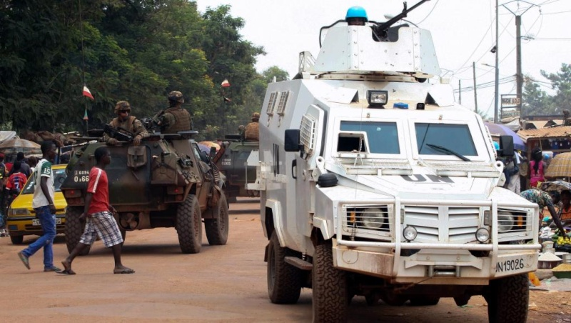 Intervention militaire en Centrafrique - Opération Sangaris - Page 21 14180