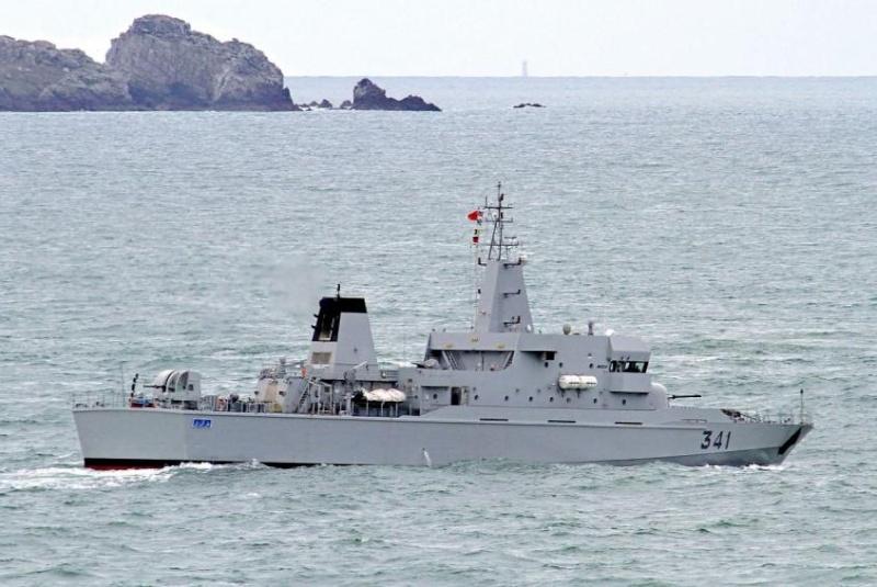 Royal Moroccan Navy OPV-70 / Classe Bir Anzarane - Page 4 14194
