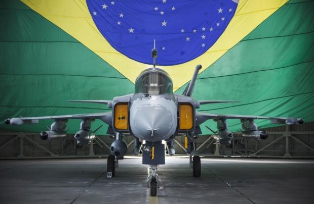 Saab: présentation du futur Gripen - Page 3 1445