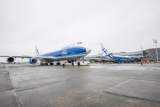 LE BOEING 747-8 976