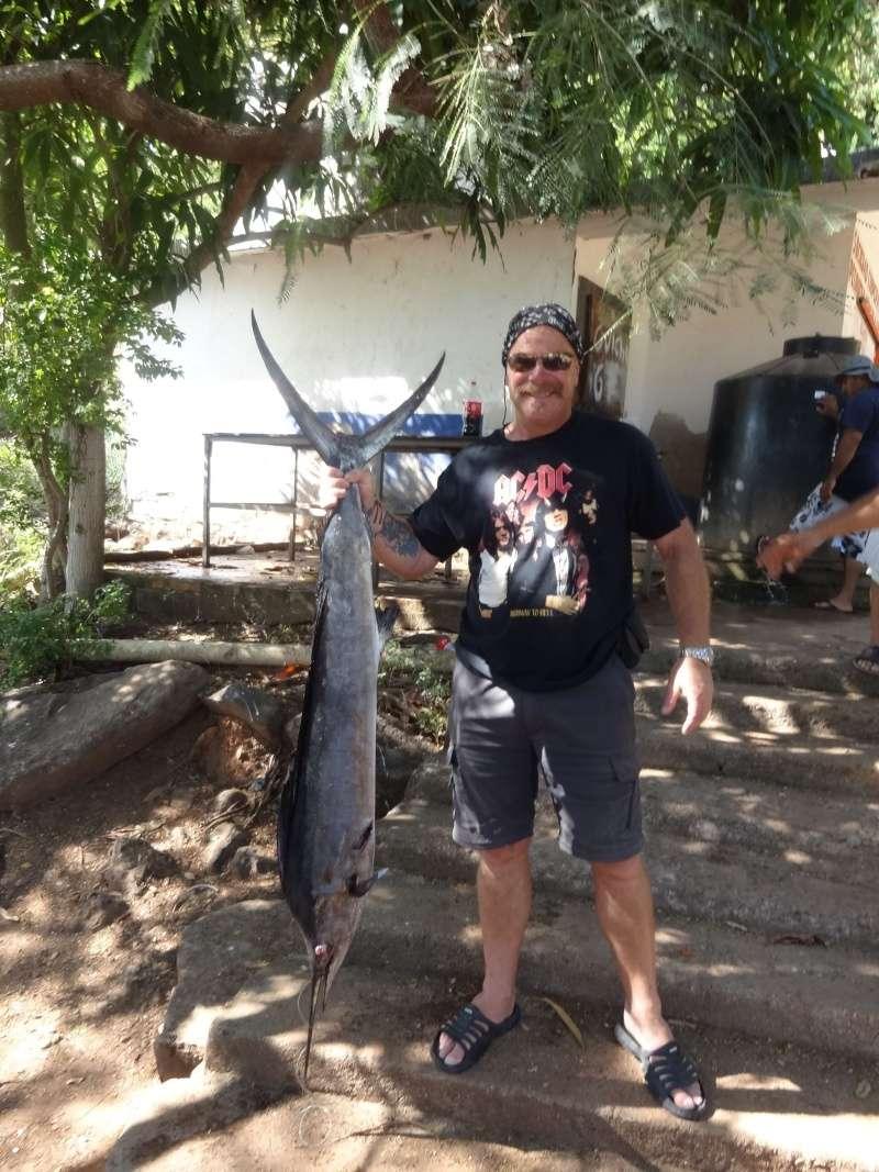 Surf fishing around Chacala Dsc07318