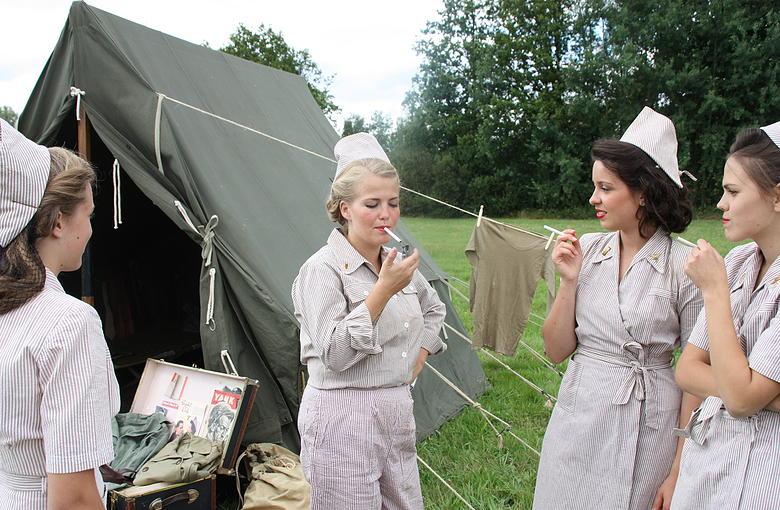 Tenues de sortie, tenues de combat, nurse des WACS 8e723215