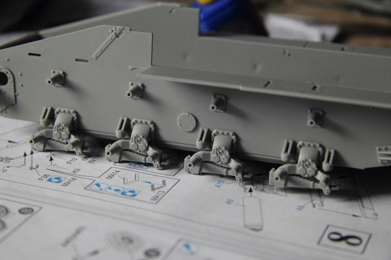 Sd.Kfz. 165 Hummel (1/35° Dragon + amélioration) [montage en cours] 16001613