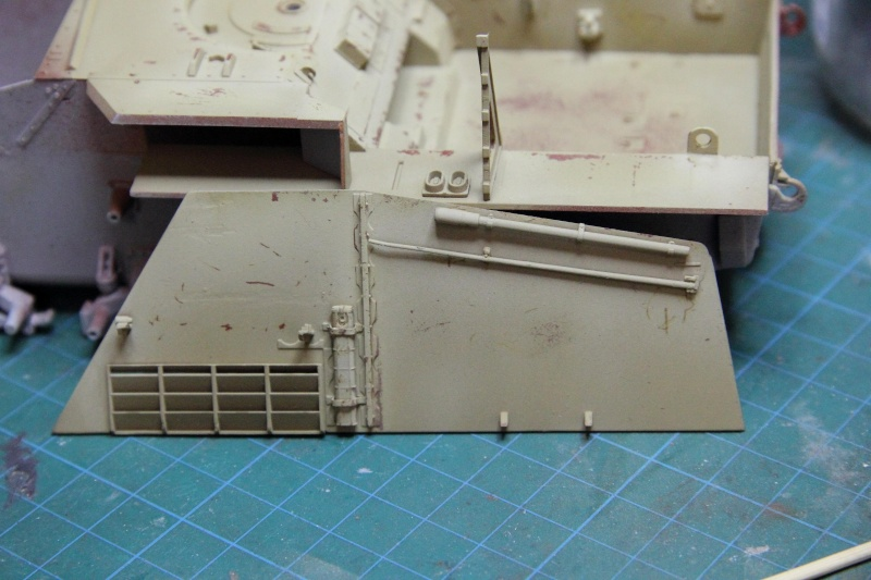 Sd.Kfz. 165 Hummel (1/35° Dragon + amélioration) [montage en cours] 40003110