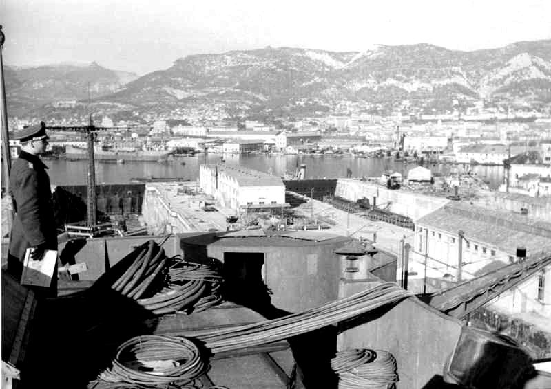 Sabordage de Toulon en photos - Page 2 1942_142
