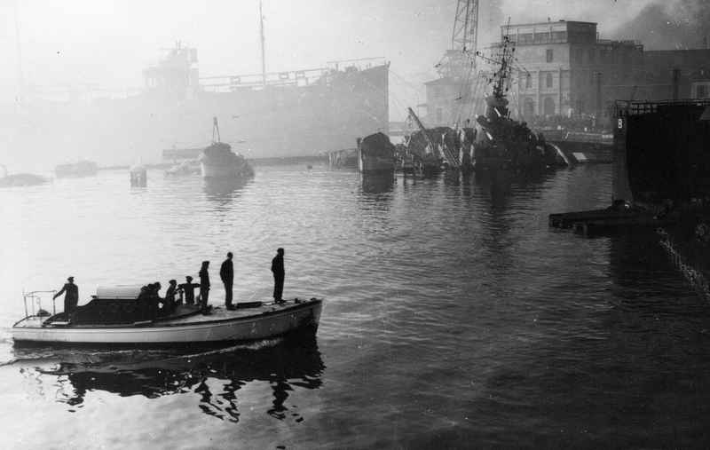 Sabordage de Toulon en photos - Page 2 1942_143