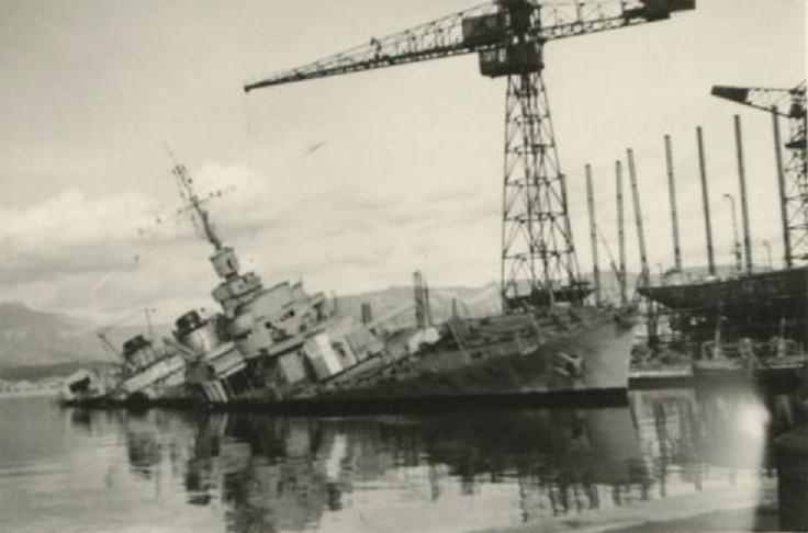 Sabordage de Toulon en photos - Page 2 1942_154