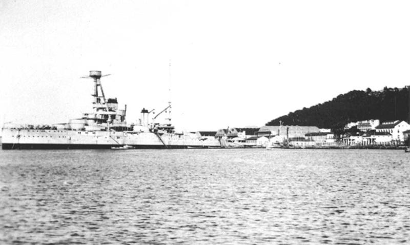 Sabordage de Toulon en photos - Page 2 1942_157