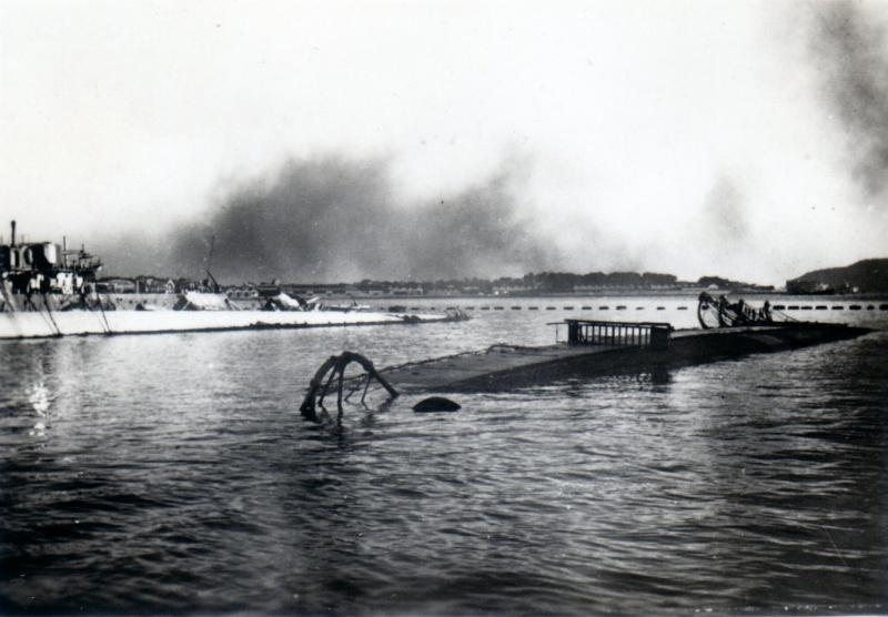 Sabordage de Toulon en photos - Page 2 1942_158