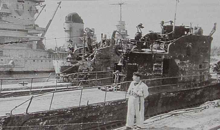 Sabordage de Toulon en photos - Page 2 1943_611