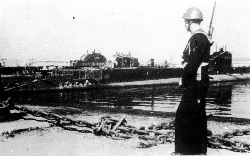 Sabordage de Toulon en photos - Page 2 1943_810