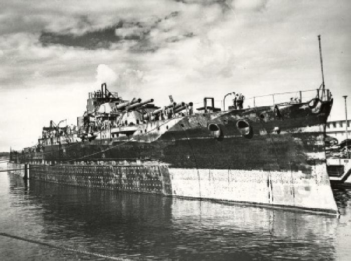 Le 7 décembre 1941,le Japon attaque Pearl Harbor - Page 2 Bb37_o10