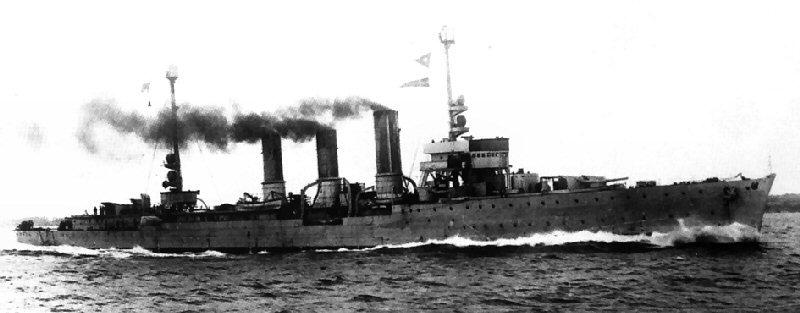 Croiseurs allemands - Page 2 Konigs10