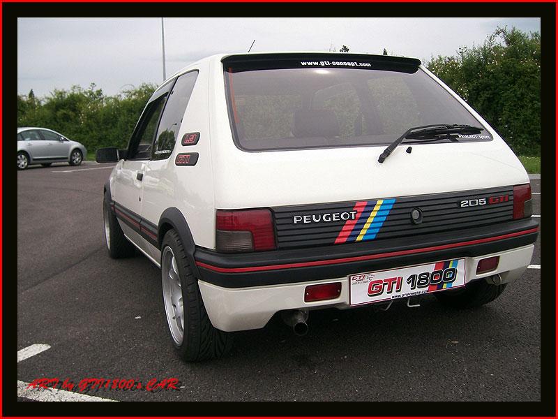 [GTI1800] 205 GTI 1L9 Blanc Meije AM88  - Page 3 100_4011