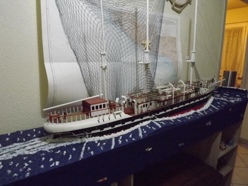 chantier naval de poisy(haute savoie):construction du belem au 1/37e - Page 6 Dscf1021