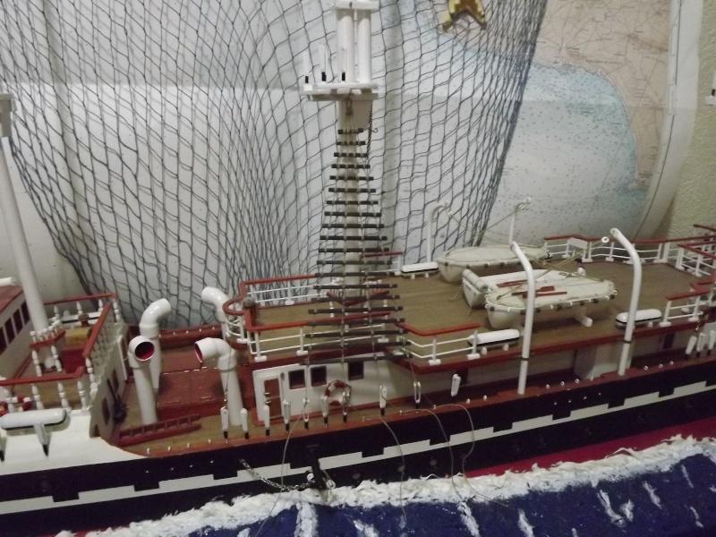 chantier naval de poisy(haute savoie):construction du belem au 1/37e - Page 6 Dscf1026