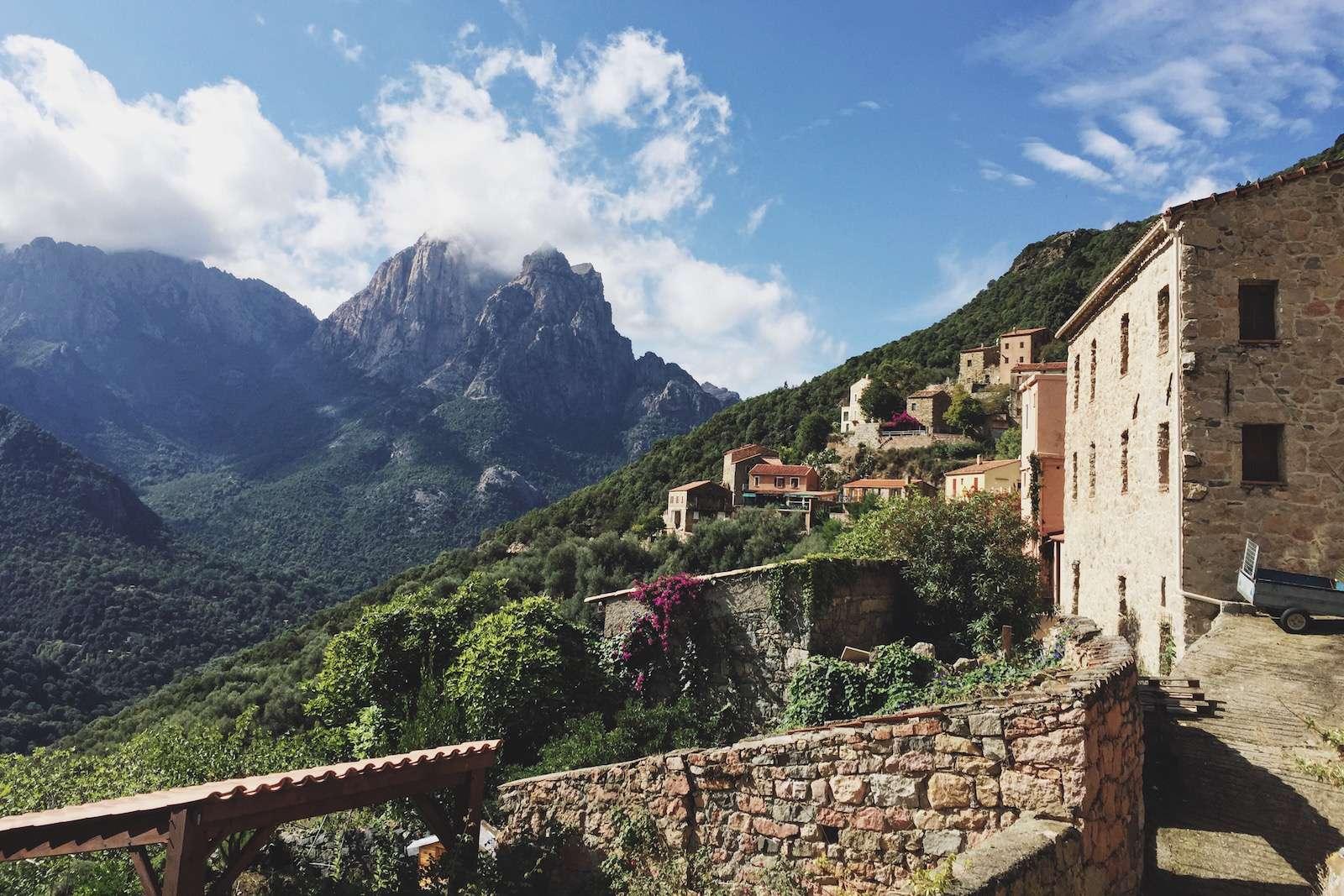 Petit village en Corse Tcqr7610