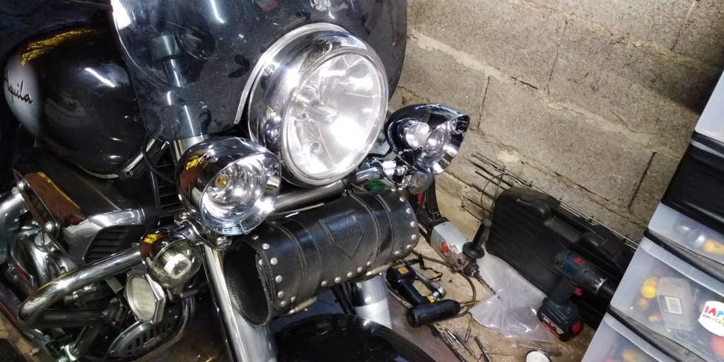 phares additionnels sur Aquila  Img_2319