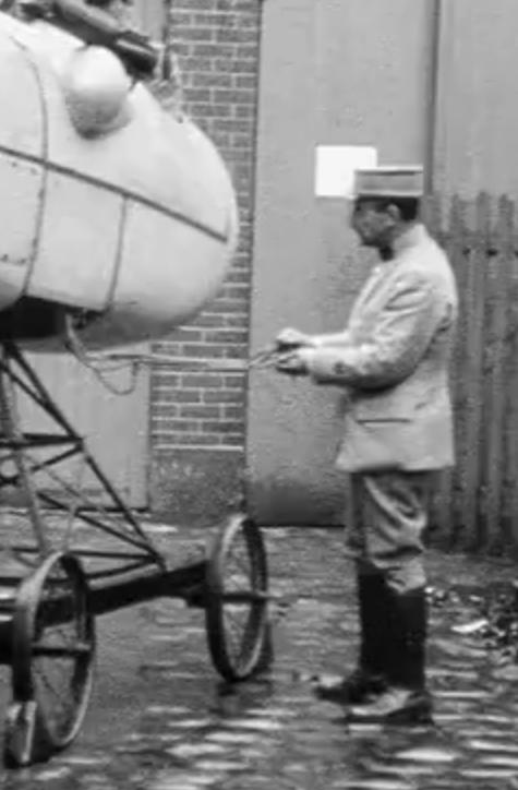 Französischer Flugsimulator 1918 - Diorama Maßstab 1:16 Steuer10