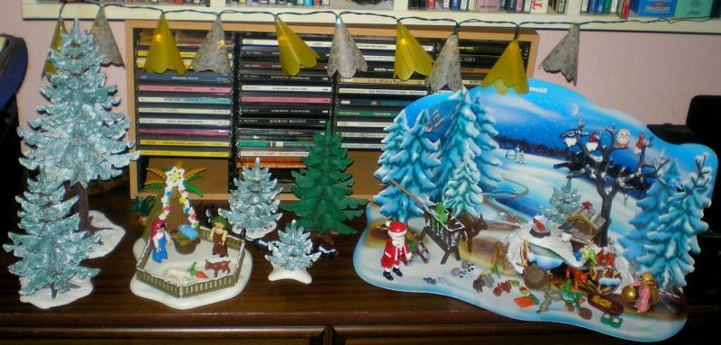 Weihnachtswelt mit PLAYMOBIL-Figuren und -Zubehör 003a_210
