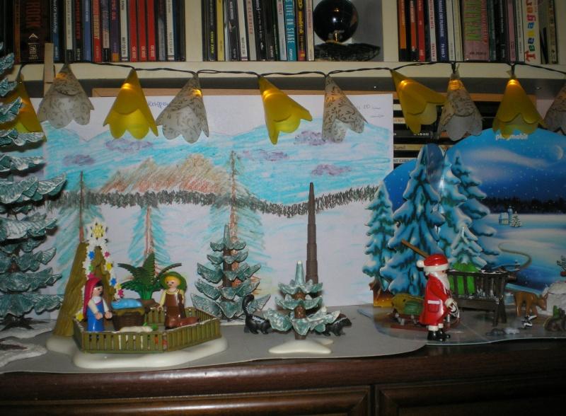 Weihnachtswelt mit PLAYMOBIL-Figuren und -Zubehör 003e1b11