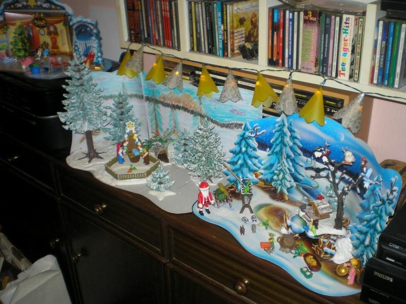 Weihnachtswelt mit PLAYMOBIL-Figuren und -Zubehör 003e4b10