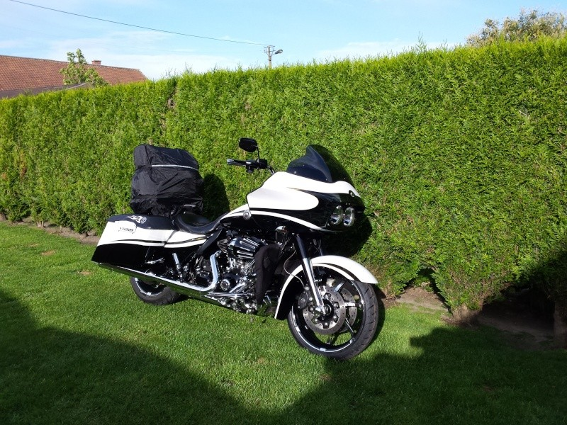 Road Glide CVO, combien sommes nous sur Passion-Harley - Page 17 20150510