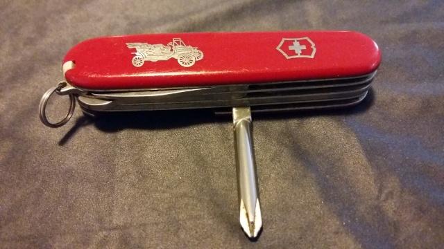 Mon tout premier couteau Suisse Victor11