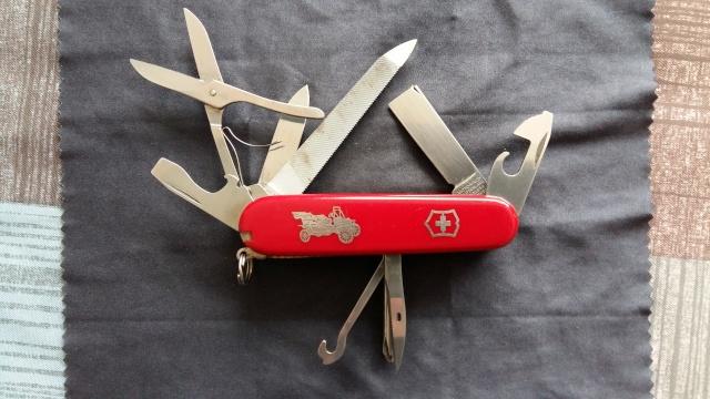 Mon tout premier couteau Suisse Victor12