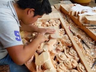 Avril 2015 en Chine (6) : Kunming, les masseurs dans la rue, la voie ferrée du Yunnan Scsulp10